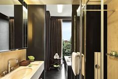 Tour The New Bulgari Hotel in Milan - Inspirations & Ideas Bulgari Hotel Milan, Bvlgari Hotel, Milan Hotel, London Hotels, Top Hotels, Best Hotels, Hotel Specials, Hotel Offers, Contemporary Furniture