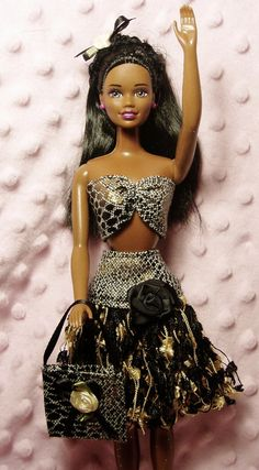 Barbie clothes  Ribbon Hula Skirt Black / Gold by Barbieoutfits, $9.50