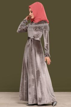 ELBİSE Güpürü İncili Kadife Elbise 5428MP186 Gri Hijab Gown, Winter Dresses, Formal Dresses, Muslim Dress, Sewing Stitches, The Dress, Hijab Fashion, African Fashion, Gowns