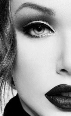 Lips - Luscious - Portrait - Photography - Black and White - Close-Up - Pose Idea - Inspiration #bnwportraits