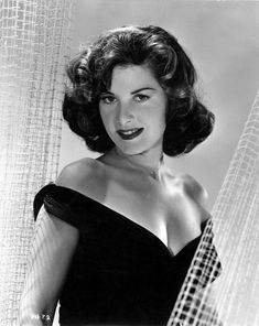 Tragic Hollywood Beauty Barbara Bates Vintage Pin-Up Glamour Photograph Hollywood Stars, Hollywood Glamour, Foto Top, Star Wars, Beauty Contest, Classic Actresses, Vintage Glamour, Famous Women, Celebs