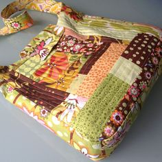Quilt-as-you-go improv patchwork school bag | Great instructions!