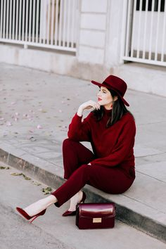 Burgundy Outfit by Los Angeles Fashion Blogger Laura Lily, Red Fashion, Fashion Models, Burgundy Fashion, Fashion Bloggers, Petite Fashion, Curvy Fashion, Fall Fashion, Style Fashion, Fashion Trends