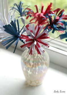 Make Some Fireworks this July 4th! - Patriotic Craft