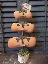 """Trick or Treat"" - Primitive Handmade Halloween Stack of Jack-O-Lanterns Tree"