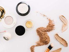 Semplici rimedi per combattere contro acne - WOMEN Italia Home Interior, Eyeshadow, Hair Beauty, Make Up, Ethnic Recipes, Food, Routine, Maria Teresa, Yogurt