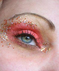 DIY Halloween Makeup : tangerine macro eye stock
