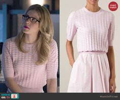 Felicity's pink textured sweater on Arrow.  Outfit Details: http://wornontv.net/47986/ #Arrow