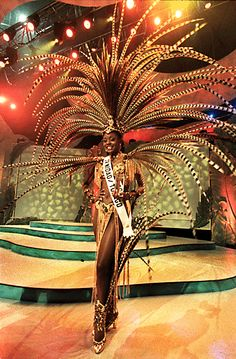 This gallery features pic of Trinidad and Tobago's Wendy Fitzwilliam who was the Miss Universe to hail from our twin island republic. Trinidad Carnival, Caribbean Carnival, Miss Universe 1998, Mardi Gras, Trinidad Und Tobago, Caribbean Culture, Carnival Festival, West Indian, Thinking Day