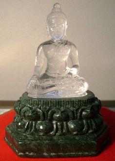 Image from http://www.weloveshopping.com/shop/client/000033/sangchai-pra/1095.jpg.