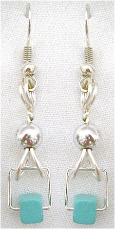 Dainty Turquoise Earrings:  free tutorial! http://www.domestic-divaonline.com/Site_1/dainty-turquoise-earrings.html