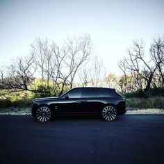 Shock Mansion added a new photo. Platinum Group, Rolls Royce Cullinan, Scott Disick, Lux Cars, Emperors New Groove, Geek News, Pitch Perfect, Car Shop, Ford Trucks