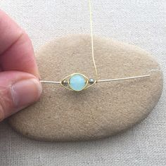 Free tutorial: Herringbone Wire Weave with Beads - Lisa Yang's Jewelry Blog