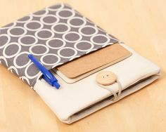 Love the outside pocket! kindle cover / kindle touch cover / kindle case / kindle by nimoo, $24.00