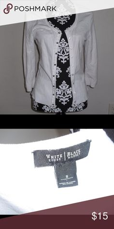 White House Black Market Cardigan Small Small, some pilling from use, no stains or rips ect. White House Black Market Sweaters Cardigans