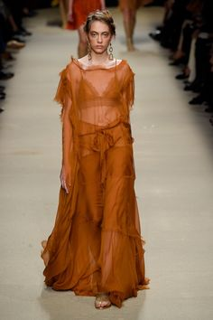 Alberta Ferretti at Milan Fashion Week Spring 2016 - Runway Photos