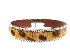 Panter armband met vacht. Sluit gemakkelijk met een stevige zilverkleurige magneetsluiting! www.milouzzi.nl