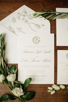 classic gold and ivory invitations | Photography: Amy Cambell Photography