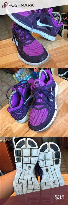 Nike free 5.0 women's size 7 Nike free 5.0 women's size 7 Nike Shoes Athletic Shoes