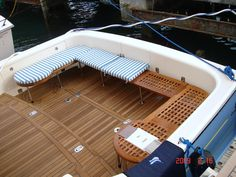 Made some custom Bench Seating to please the wife...Pics - The ... Pontoon Boat Seats, Diy Wood Bench, Sport Fishing Boats, Deck Seating, Row Row Your Boat, Boat Restoration, Boat Storage, Diy Boat, Yacht Interior