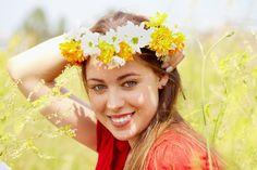 Naiselikult õnnelik naine loob harmoonilise suhte