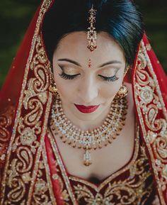 Gorgeous makeup on this #bride! Photo by @kismisink_mariana  #munabeauty #culture #traditionalwedding #munaluchibride #weddingmakeup #munacoterie