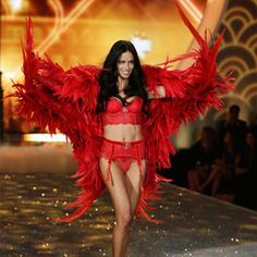 Sweat It Out With Victoria's Secret Angel Adriana Lima