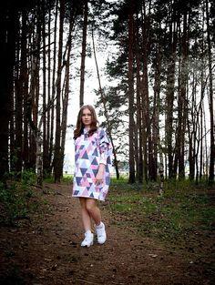 Sukienka Oversizowa Tr�łjkąty Kobieta