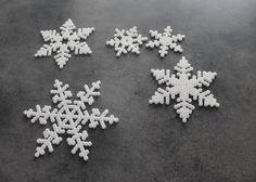 Hama bead snowflakes - Kreamonsteret