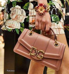 Beautiful Handbags, Beautiful Bags, Fashion Handbags, Purses And Handbags,  Fashion Bags, Cute Bags, Big Bags, Dolce   Gabbana, Girls Bags 5a3652c8bb
