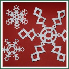 A new twist (to me at least) on your traditional snowflake from @redtedart