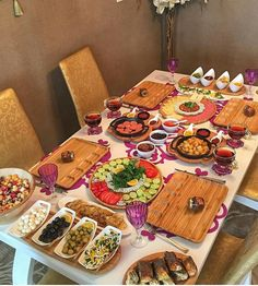 Turkish Breakfast, Breakfast Time, Food Platters, Turkish Recipes, Food Presentation, Food Design, Love Food, Food To Make, Healthy Snacks