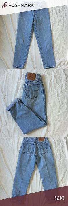 Vintage high waisted light wash Levi's Paper tag vintage. In perfect condition no rips or stains. Waist laid flat is just about 14 inches. Hips are just about 20in he's. The inseam is just about 27 inches. Levi's Jeans
