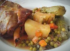 Αρνάκι στο πήλινο με αρακά κολοκύθια και πατατούλες !!! ~ ΜΑΓΕΙΡΙΚΗ ΚΑΙ ΣΥΝΤΑΓΕΣ 2 Pot Roast, Food And Drink, Meat, Chicken, Ethnic Recipes, Carne Asada, Roast Beef, Cubs