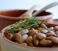 fresh cranberry beans with garlic