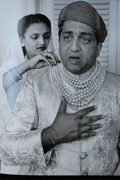 Maharajah of Baroda wearing his pearls.