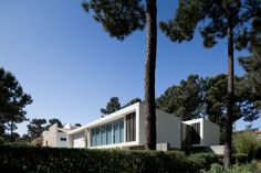 House in Aroeira by PMC Arquitectos www.joaomorgado.com