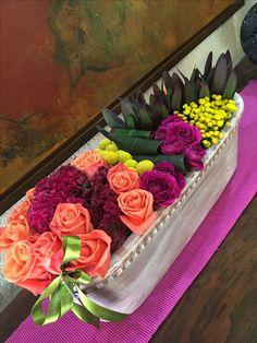 Arreglo floral en pave multicolor