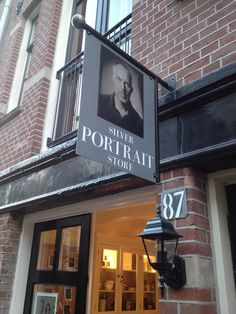 Silver Portrait Store - handcrafted wet plate Tintype/Ambrotype portraits - Utrechtsedwarsstraat 87 - 1017 Amsterdam - The Netherlands.