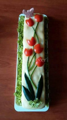 -- look below the picture for a LOT of food art ideas Sweet home : Ilusad võileivatordid Not persian but Great idea Sandwich Cake, Tea Sandwiches, Food Design, Creative Food Art, Food Carving, Vegetable Carving, Food Garnishes, Garnishing, Veggie Tray