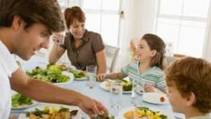 Índice glicêmico mede o tempo que um carboidrato demora para ser absorvido e ajuda no controle do diabetes. Saiba tudo sobre o índice glicêmico. Healthy Tips, Diabetes, Weather, Kitchen, Diabetic Living