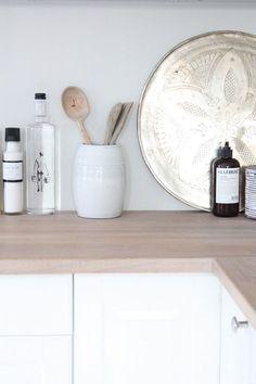 White & bleached wood