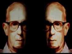 """E agora, José?"" Do Carlos Drummond, recitado por Paulo Autran"