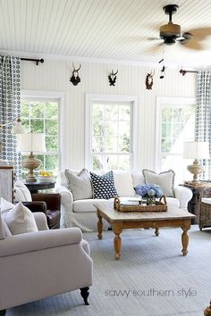 Farmhouse Living Room in Whire and Blue for Summer. Savvy Southern Style: My Eclectic Summer Sunroom Savvy Southern Style, Southern Living, Country Farmhouse Decor, Farmhouse Design, Modern Farmhouse, French Farmhouse, My Living Room, Living Room Decor, Small Sunroom