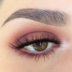 I do this look often, sometimes with a winged eyeliner and it's so pretty!