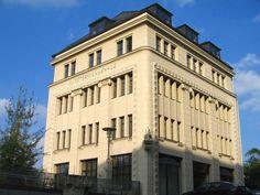Das Kunstgewerbehaus ist das letzte alte Gebäude an der Dresdener Straße zwischen Augustusburger Straße und Dresdener Platz welches die Abrissmaßnahmen überlebt hat, Chemnitz 16.10.07