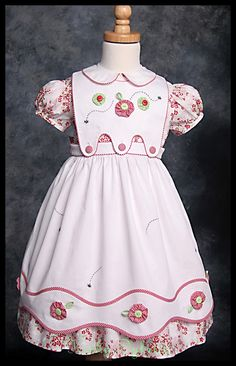Bee-Utiful Pinafore! - students will create this pinafore in the 12 hour class, learning to work with spaghetti bias around curves, create yo-yo flowers and finish with a bit of hand embroidery.