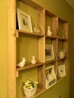 recycled pallete-what a cool idea.