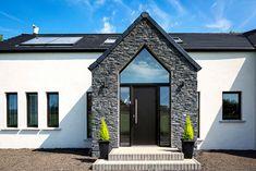 61 Ideas Exterior Bungalow Renovation Window For 2019 Dormer House, Dormer Bungalow, Modern Bungalow House Design, Bungalow House Plans, Bungalow Hallway Ideas, Bungalow Porch, House With Porch, House Front, Bungalows