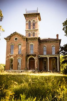 Sauer Castle...935 Shawnee Road in Kansas City, Kansas. Great story! Privately owned by the great great grandson of the original owner...sits abandoned today  - Wikipedia, the free encyclopedia